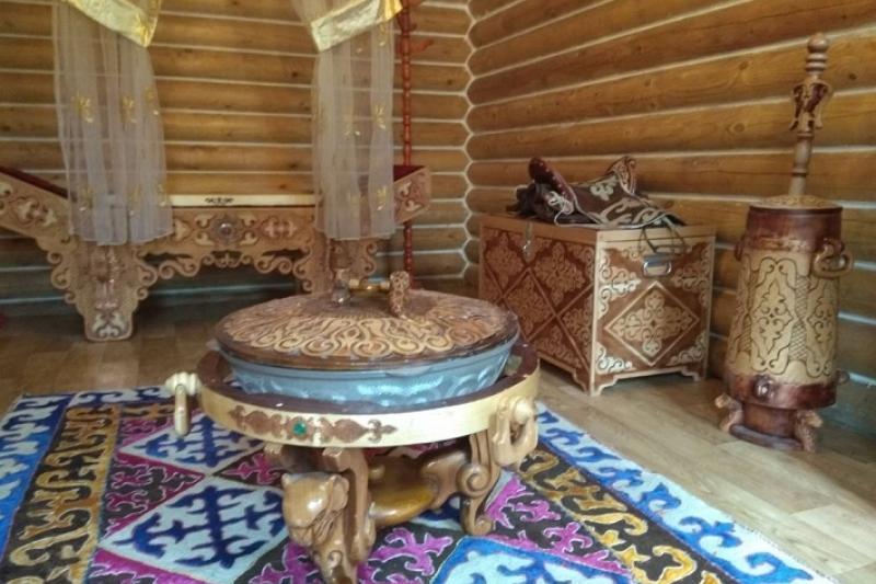 Книги о Султанмамете султане и батырах Среднего жуза презентовали в Астане