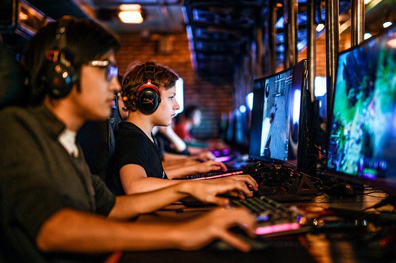 Қазақстандық киберспортшылар чемпиондық үшін бақ сынайды