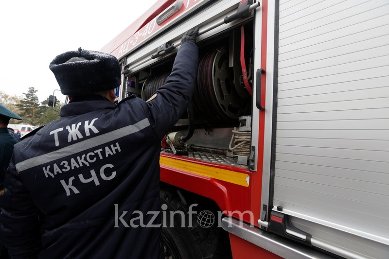 Алматы облысында өрт сөндіруші науқас баланы аман алып қалды