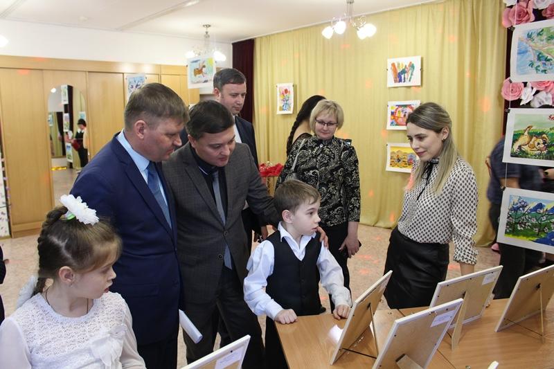 Благотворительная ярмарка для особых детей прошла в ВКО