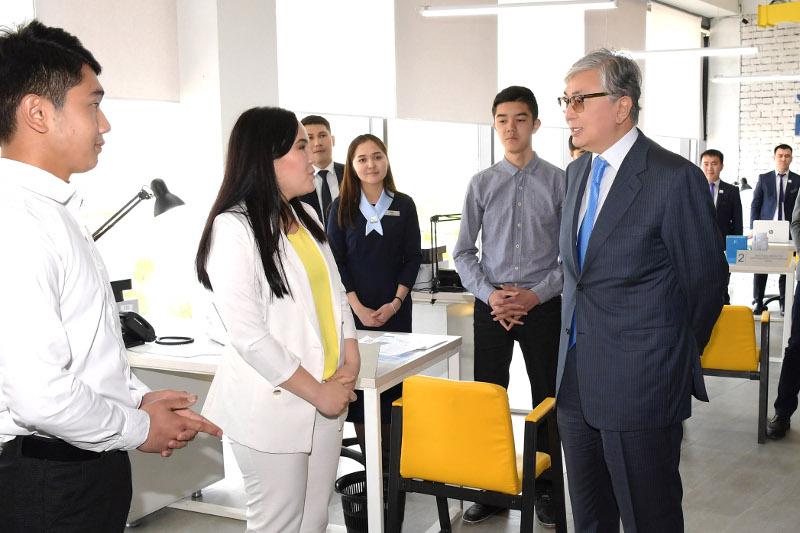 Президент Казахстана посетил областной молодежный ресурсный центр