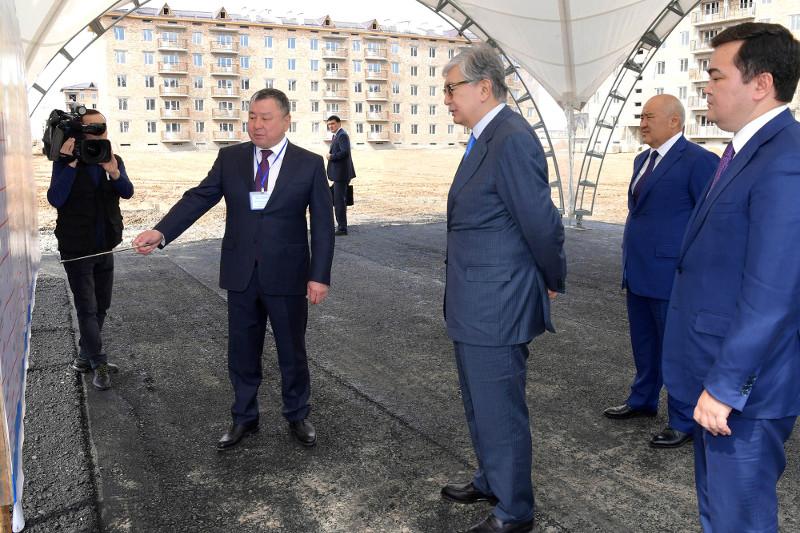 Касым-Жомарт Токаев ознакомился со строительством домов по программе «Нұрлы жер»