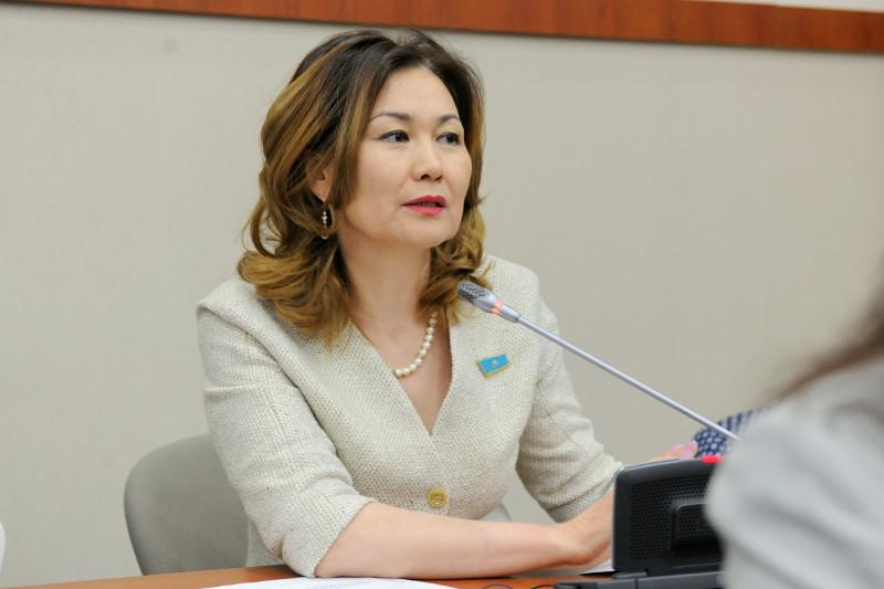 Мәжіліс депутат Анар Жайылғанованың өкілеттігін мерзімінен бұрын тоқтатты