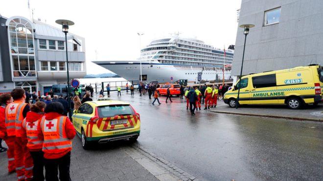 На терпящем бедствие лайнере «Викинг Скай» были две казахстанки