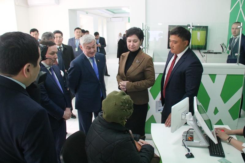 Заместитель Премьер-Министра РК посетила ЦОНы Акмолинской области