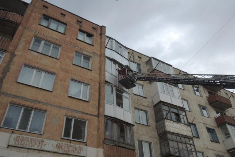 Двоих детей спасли при тушении пожара в Кокшетау