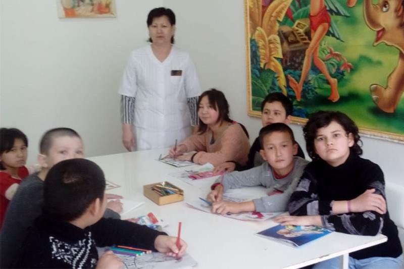 В Туркестанской области родителям рассказали, как воспитывать детей с аутизмом