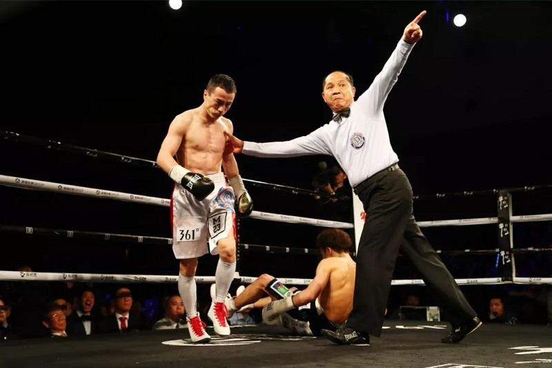 中国哈萨克拳手获得WBA国际金腰带