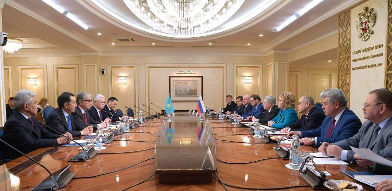 托卡耶夫总统会见俄罗斯联邦委员会主席瓦莲京娜·马特维延科