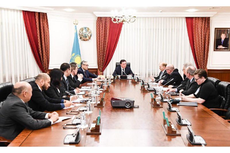 政府总理阿斯哈尔·马明会见美国大型企业领导人