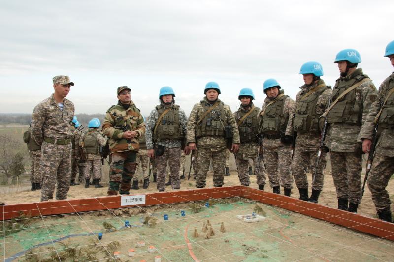 哈萨克斯坦维和部队接受联合国培训团培训