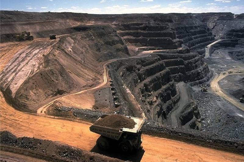 Сколько месторождений полезных ископаемых находится на балансе государства