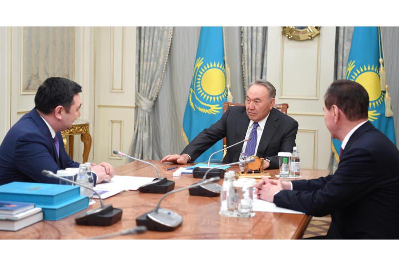纳扎尔巴耶夫接见国际突厥研究院院长
