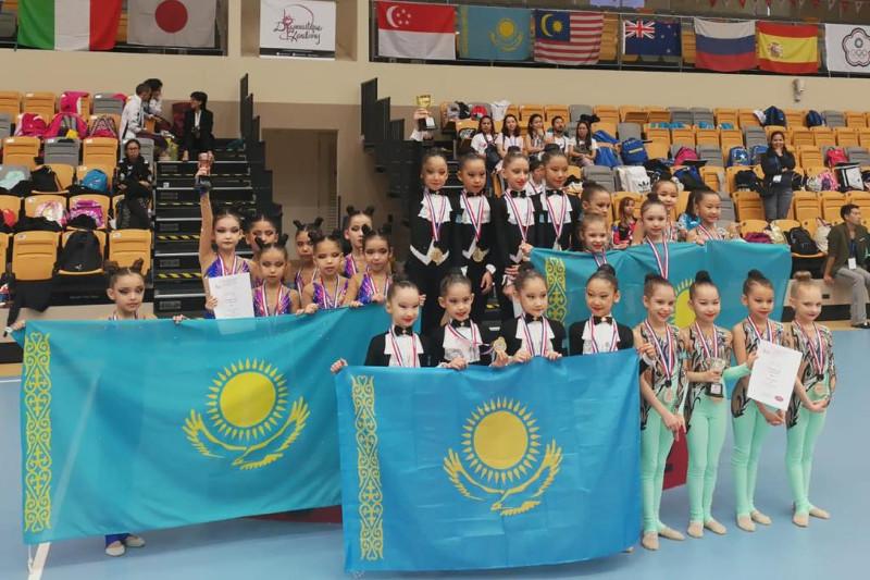 Юные казахстанские гимнастки триумфально выступили в Сингапуре