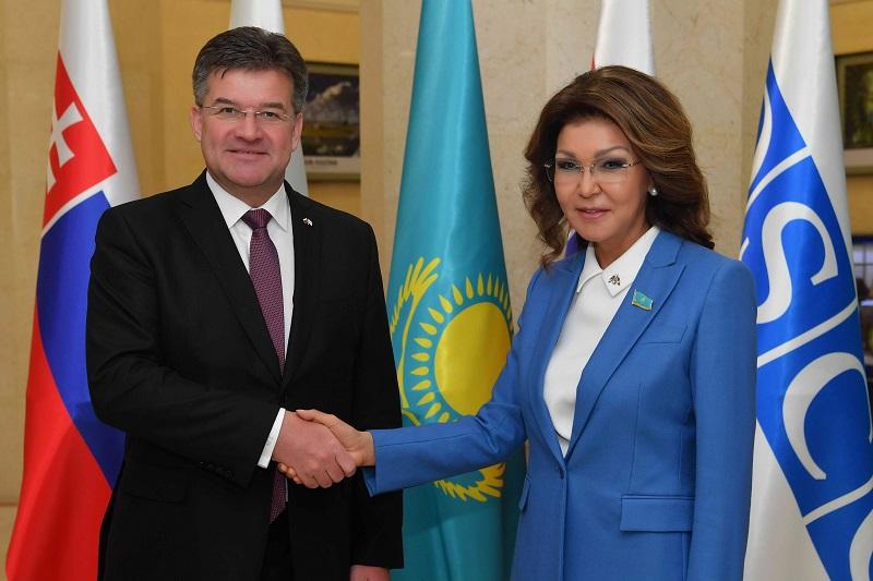 纳扎尔巴耶娃同欧安组织主席会面