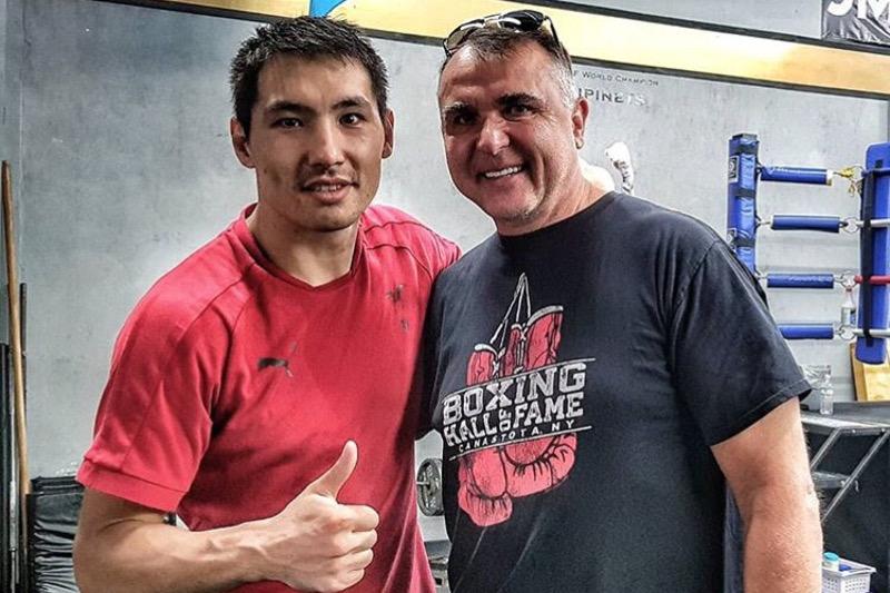 职业拳手贾尼别克•阿里木汗吾勒下一场比赛将争夺两个金腰带