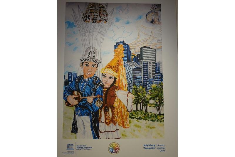 Краски Великой степи: в Париже открылась художественная выставка о Казахстане