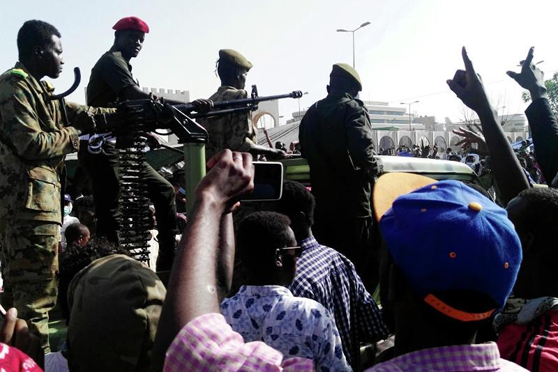 苏丹发生军事政变  巴希尔宣布辞去总统职务