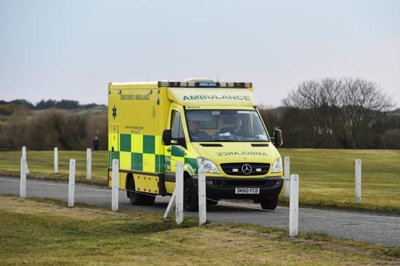 一架小型飞机坠毁在英国北部 1人死亡