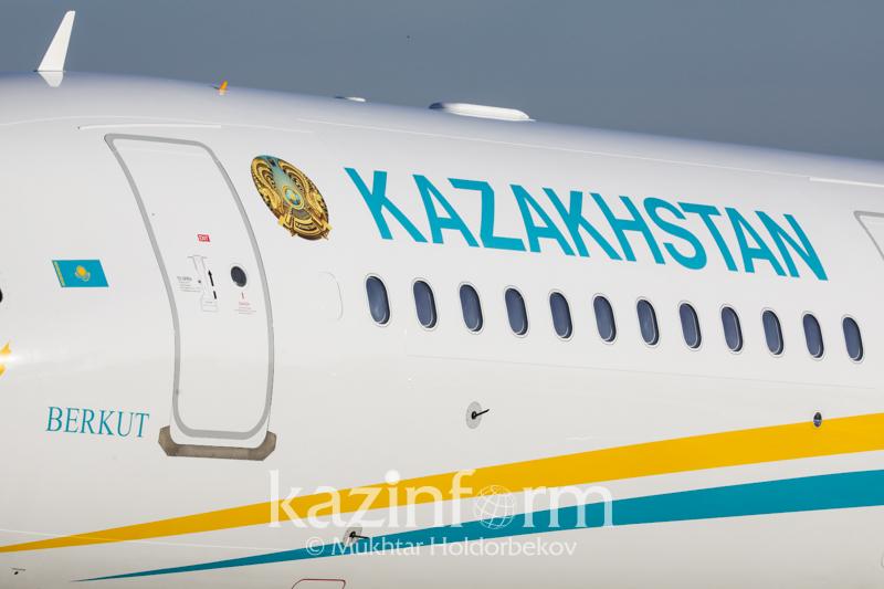 托卡耶夫总统抵达塔什干 开始进行国事访问