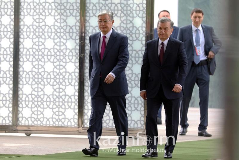 哈乌两国总统正在塔什干举行会晤