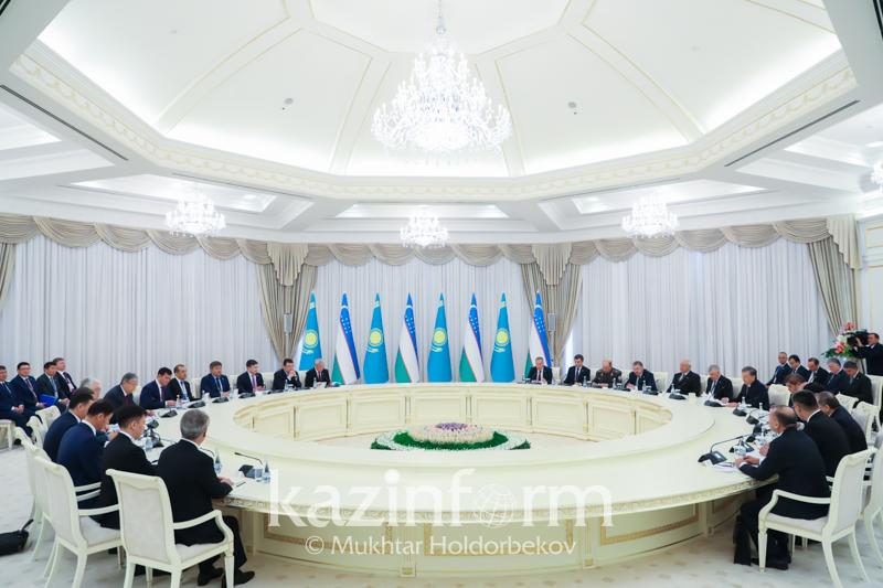 哈萨克斯坦与乌兹别克斯坦签署一系列合作文件
