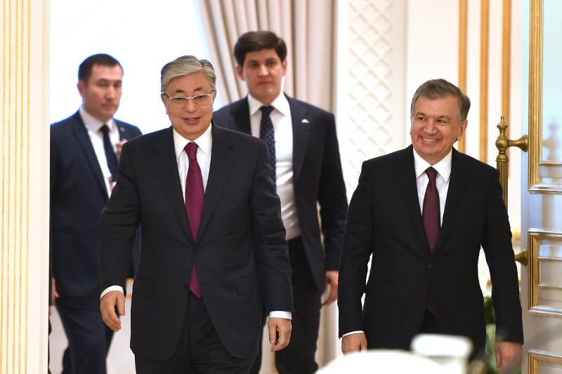 Қасым-Жомарт Тоқаев Өзбекстан Президентін Қазақстанға сапармен келуге шақырды