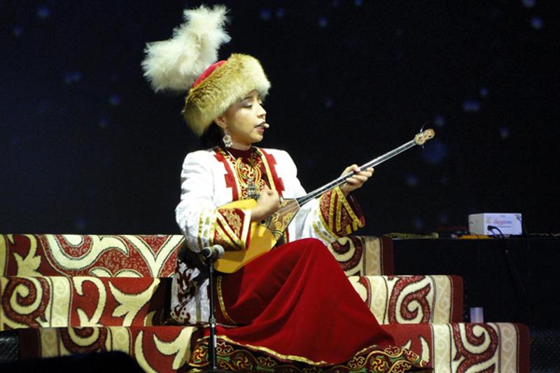 Ұлжан Байбосынова Халықаралық жыршылар додасының бас жүлдесін иеленді