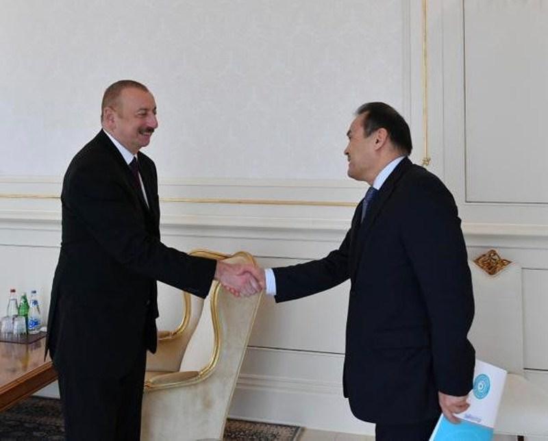 阿塞拜疆总统会见突厥议会秘书长阿穆列夫