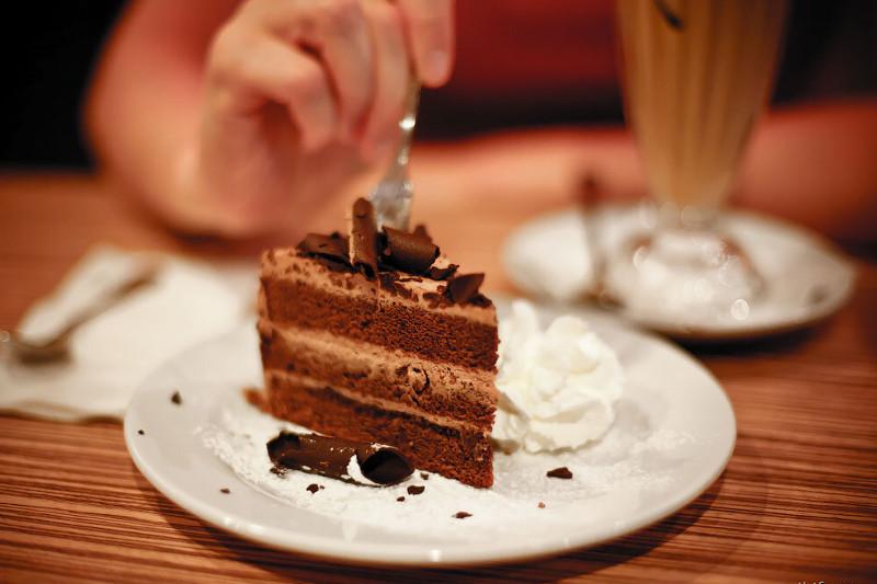 Зарегистрирован еще один случай отравления тортом в столице