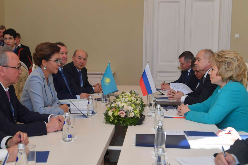 Дарига Назарбаева провела встречу с Валентиной Матвиенко