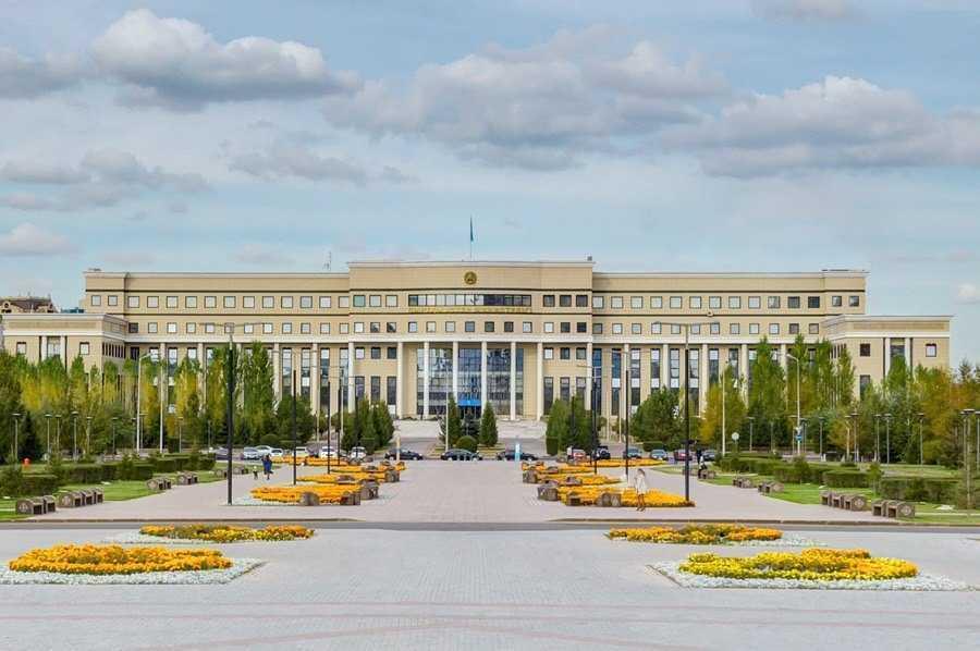 外交部就哈萨克斯坦总统大选外国记者注册事宜的说明