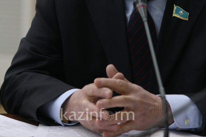О важности выборов шымкентские депутаты рассказали трудовым коллективам