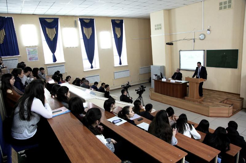 В КарГУ прошла конференция, посвященная 30-летию института президентства в РК