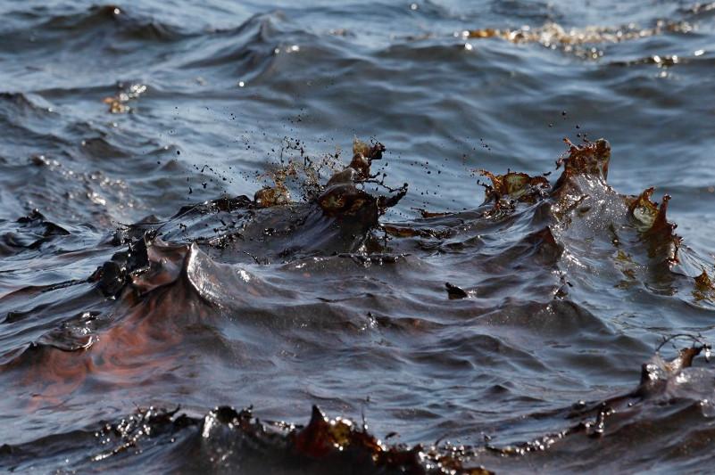 Загрязненный нефтепродуктами участок на Каспии ликвидирован - Минэнерго