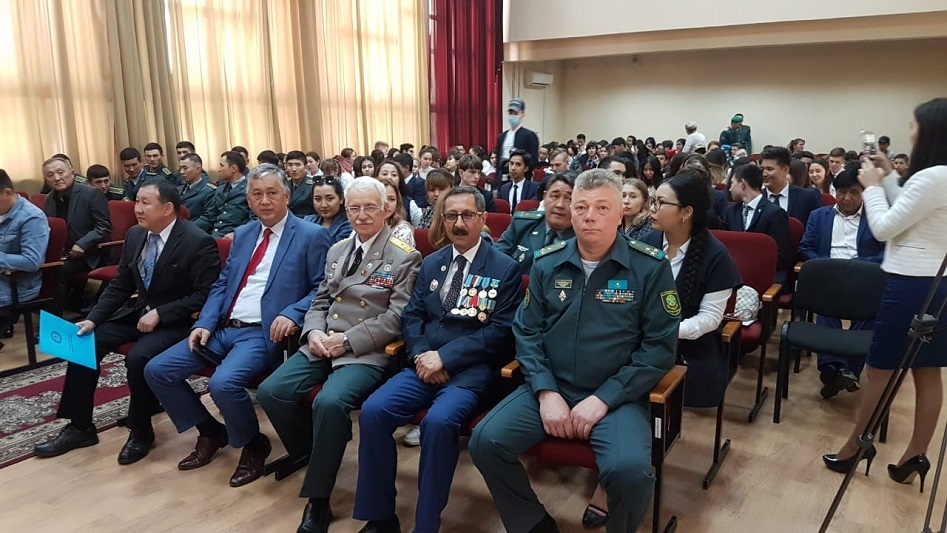 Воспитанники военно-патриотического клуба посетили Академию Пограничной службы в Алматы