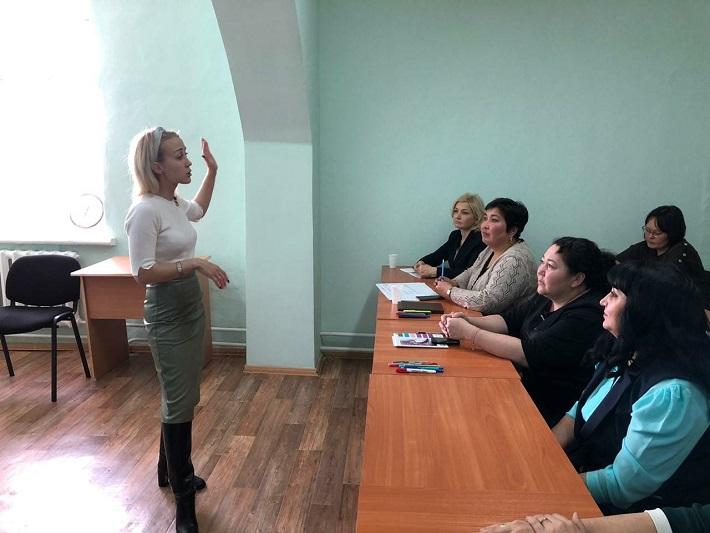 Более 900 акмолинских госслужащих обучились языку жестов