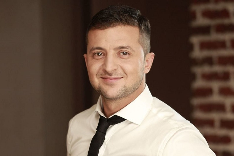 Zelensky leads with 73.01% after half of electoral ballots counted