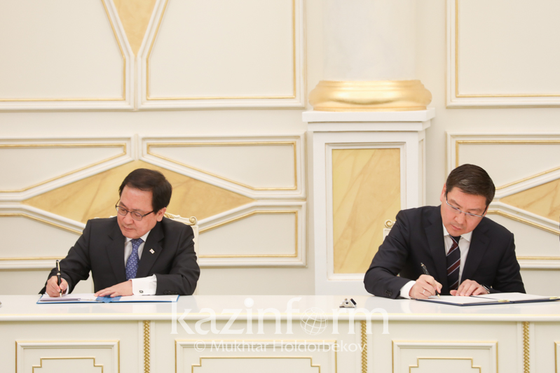 哈韩两国签署了一系列合作协议