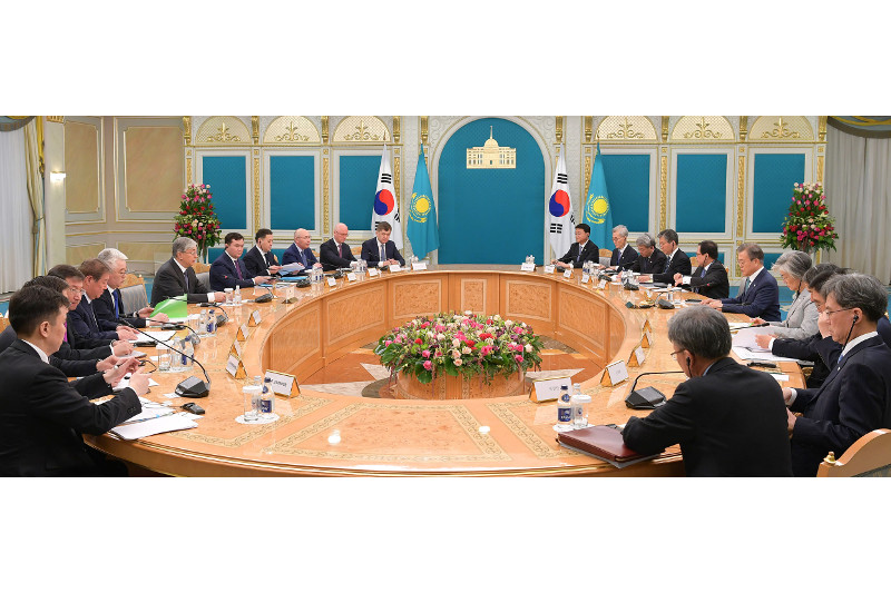 Kazakh, Korean presidents have talks in extended format