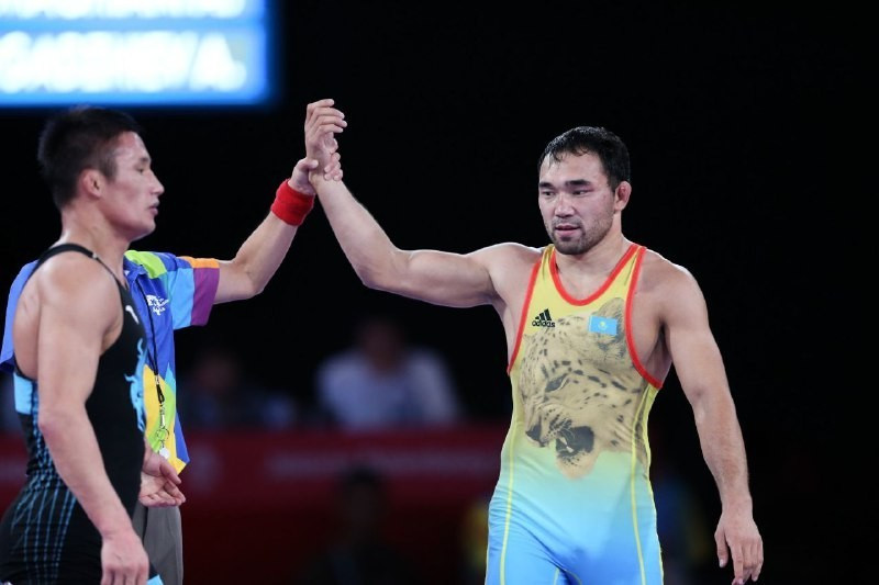 Kazakh wrestlers ease into Asian Championship finals