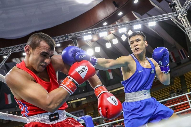 Еще один казахстанский боксер вышел в полуфинал ЧА-2019