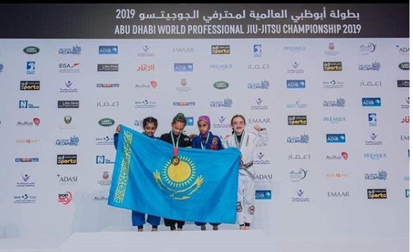 12-летняя казахстанка стала двукратной чемпионкой мира по джиу-джитсу