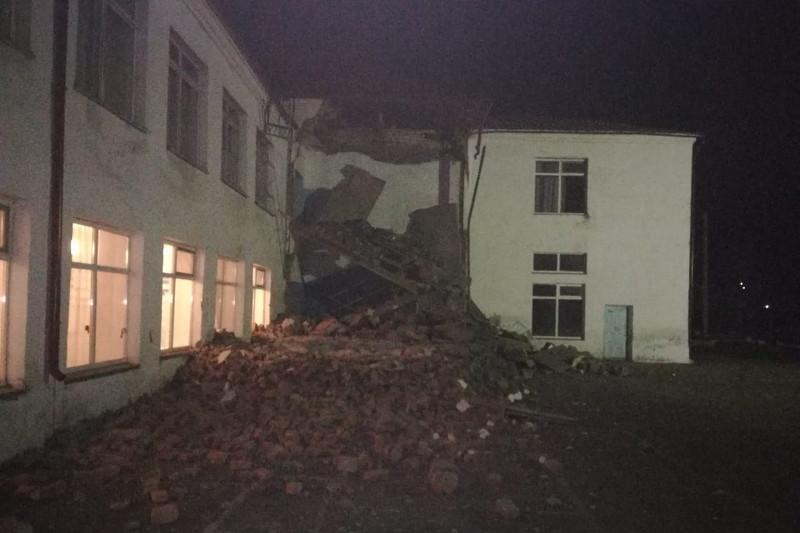 Пристройку школы снесли ночью в СКО