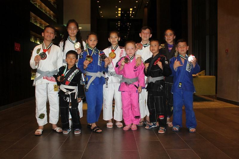 Юные джитсеры Алматы завоевали более 20 медалей на ЧМ в Абу-Даби