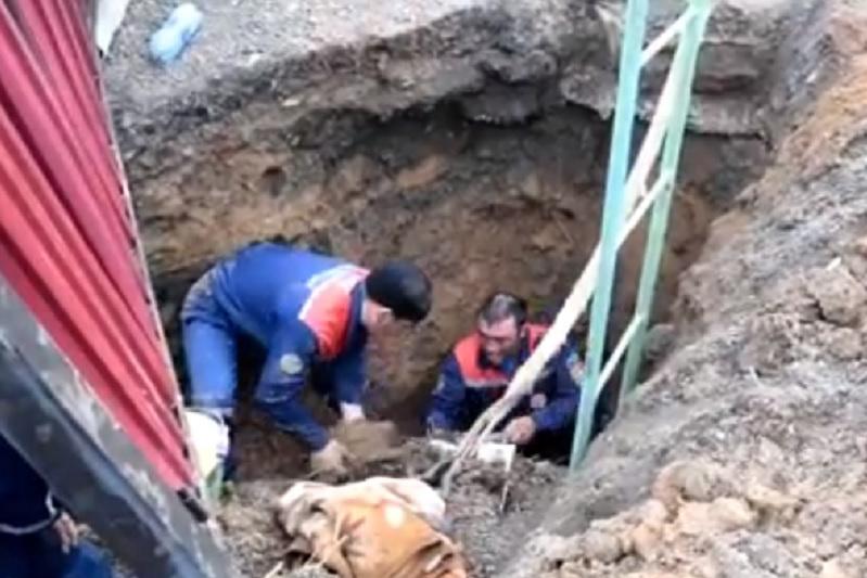 Көкшетауда топыраққа көміліп қалған адам құтқарылды
