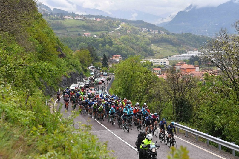 Astana's Cataldo, Hirt in Top 10 of Tour of the Alps Stage 3