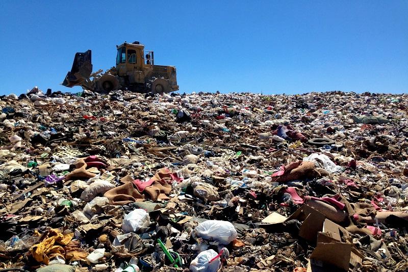 Проблему мусорных свалок подняли в Сенате