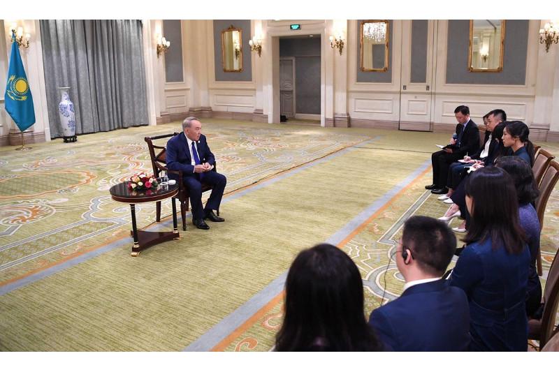 Нурсултан Назарбаев ответил на вопросы китайских СМИ