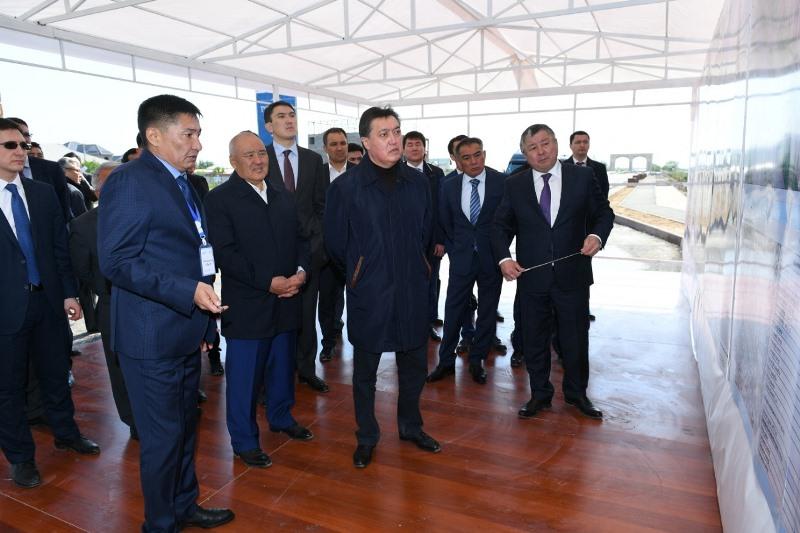 Премьер-Министр РК проверил строительные работы в Туркестане